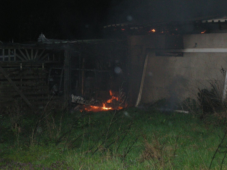 2019-04-05 Gartenhütte brennt
